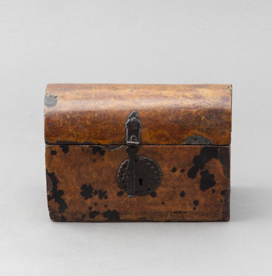 Mexican chest in wood and tortoiseshell, late 17th - 3