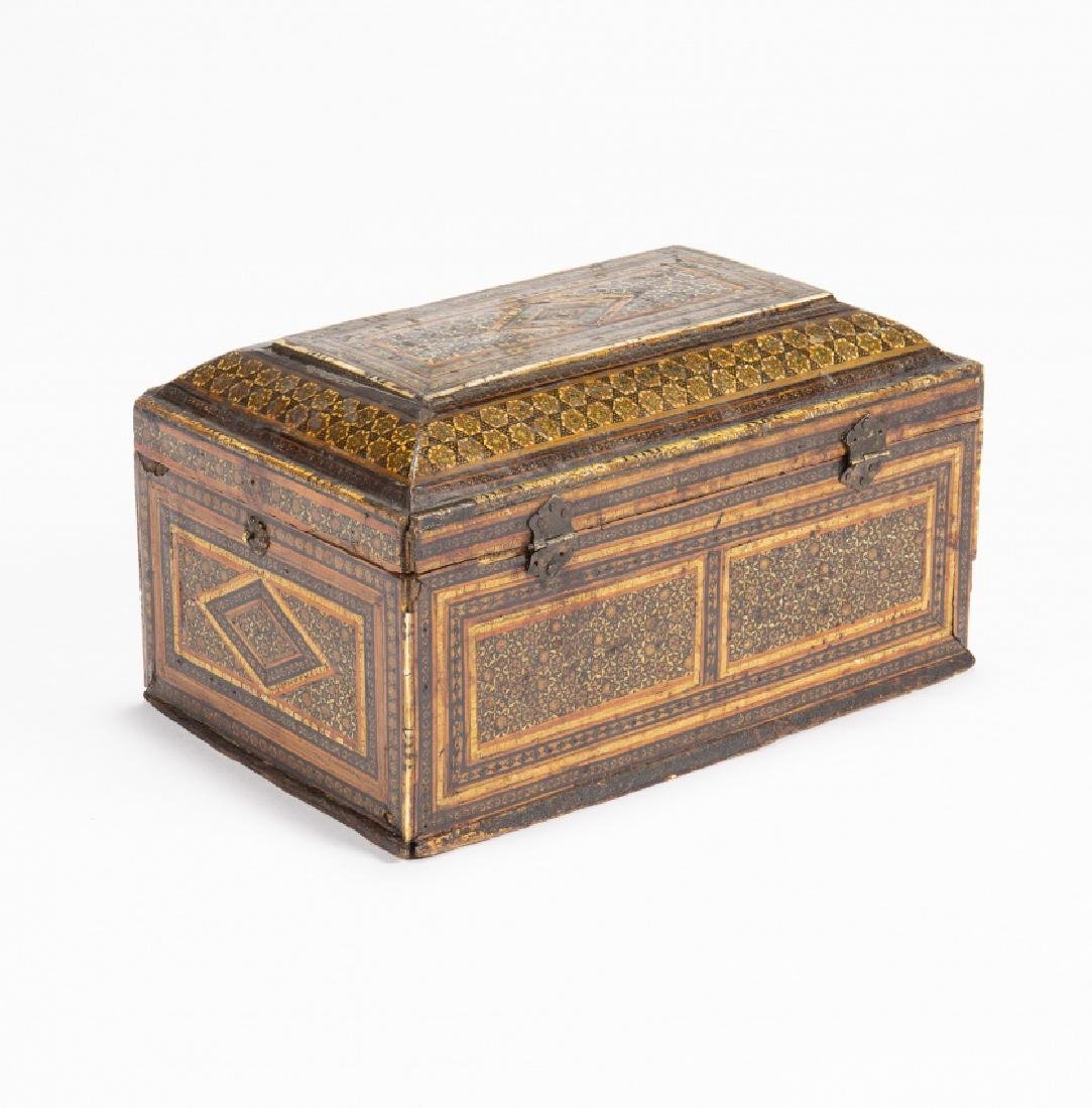 Granada chest in wood with decoration in partially - 3