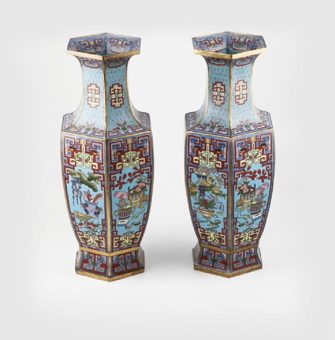 """Pair of Chinese vases in """"cloisonné"""" enamelled bronze, - 2"""