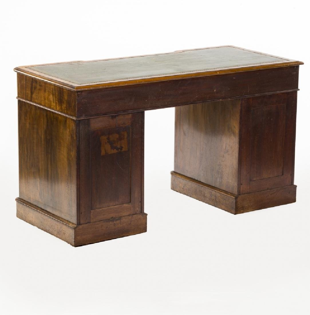 Victorian pedestal desk in walnut and walnut root, late - 3