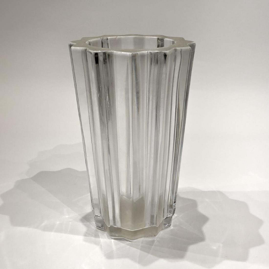 Pair of Glass Plates and One Vase - 4