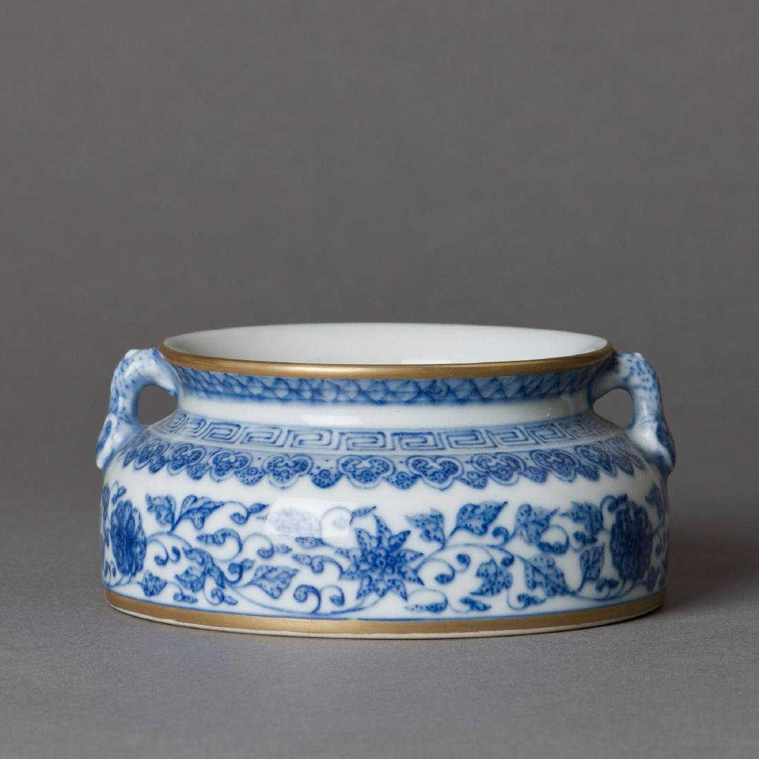 A CHINESE PORCELAIN BRUSH WASHER