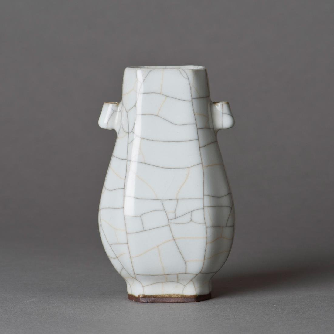 A CRACKLE-GLAZED PORCELAIN VASE