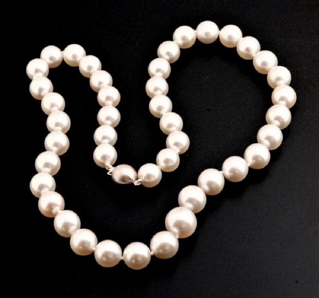 White South Sea Pearl Strand Finished with 18K Gold