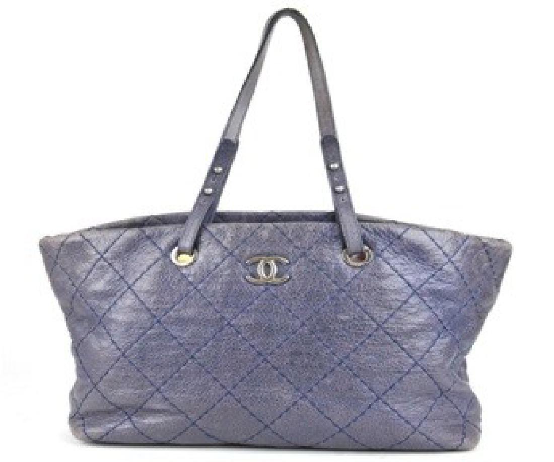 CHANEL Handbag Tote in Lavendar w. Authenticity Card