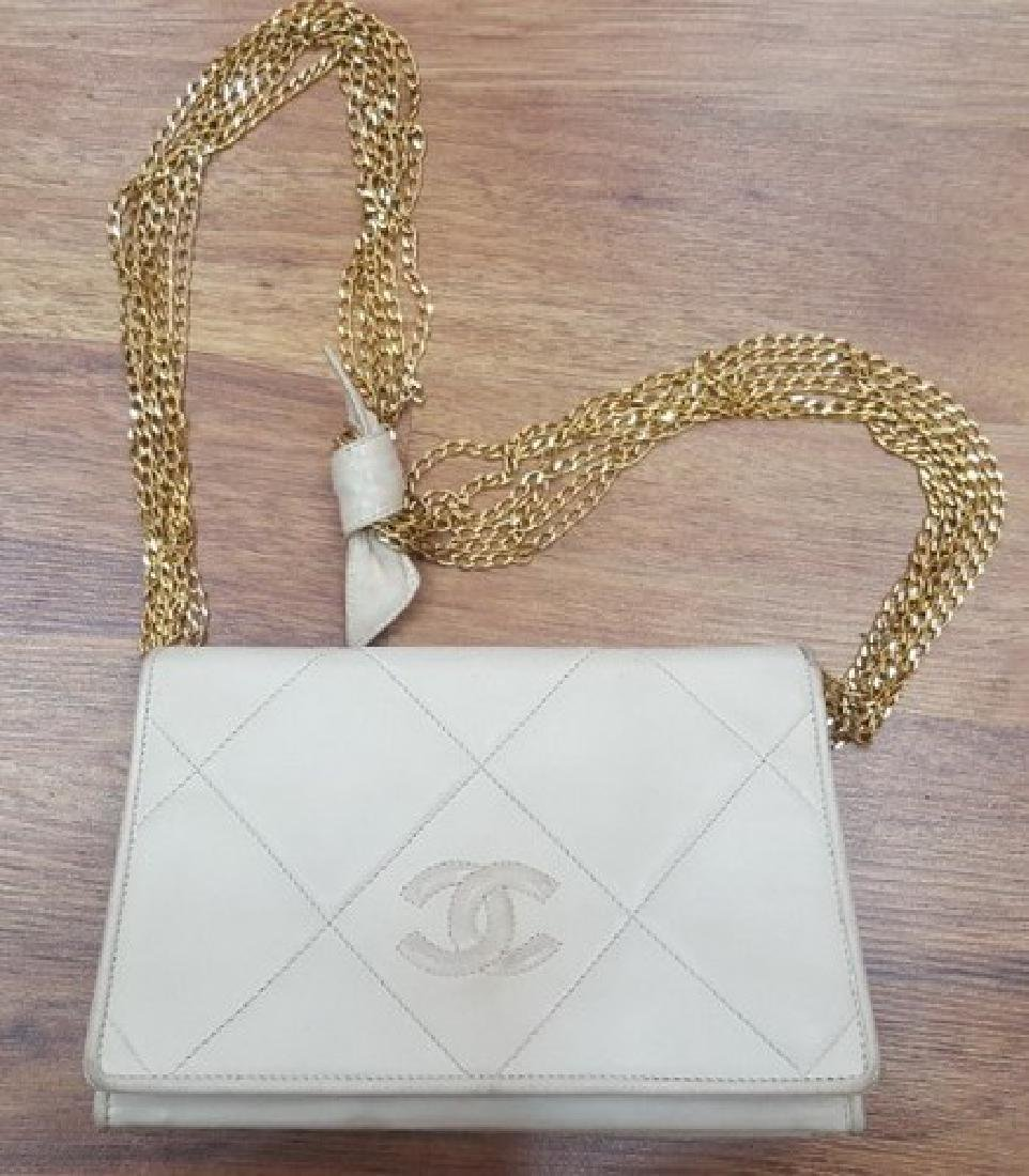 Vintage Chanel Bag (Creamy White)