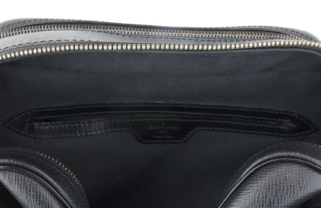 LOUIS VUITTON Handbag Black Crossbody - 5