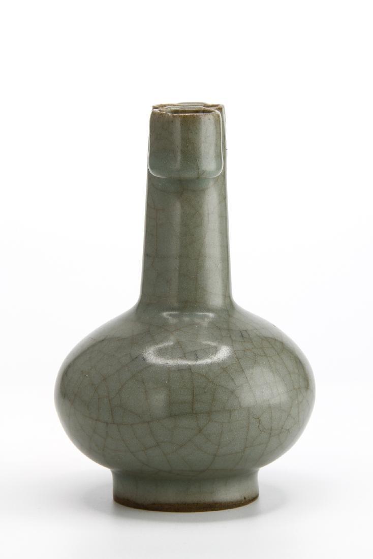 Lungchuan Guan-Type Arrow Vase - 4