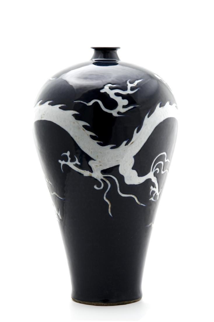 Large Blue Glazed White Reserved Dragon Vase - 4