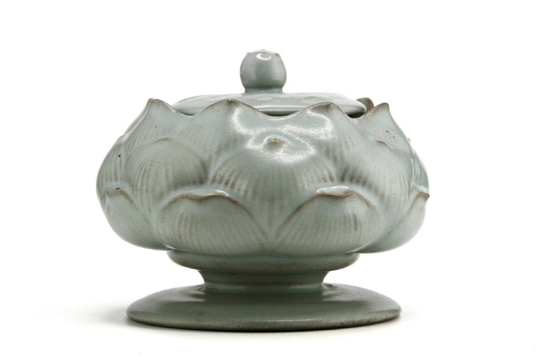 Rare Guan-Type Lotus Form Incense Burner/Cover - 3