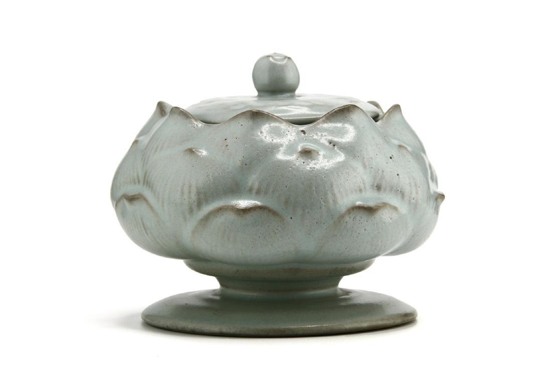 Rare Guan-Type Lotus Form Incense Burner/Cover - 4