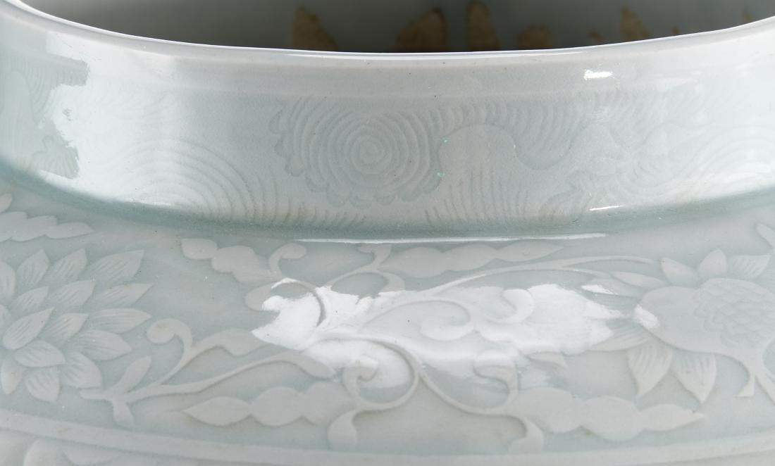 Rare Large Ying Ch'ing Carved 'Dragon' Jar, Yuan - 8