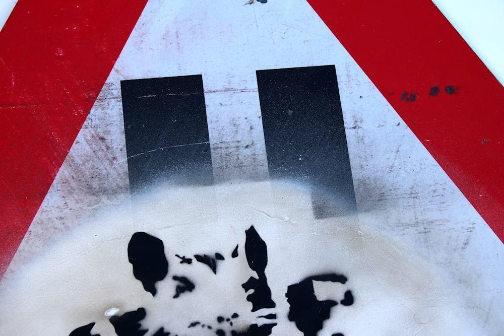 Banksy Graffiti Assoc. Fairey Haring Basquiat Warhol - 9