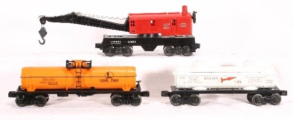 3: 3 LIONEL Freight Cars: