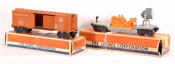 4: 2 Boxed LIONEL Freight Cars: