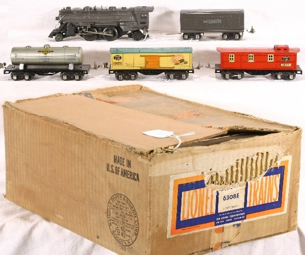 9: Boxed LIONEL Train Set 6308E: