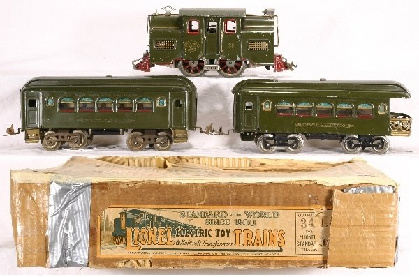 12: Boxed LIONEL Standard Ga. Train Set 34: