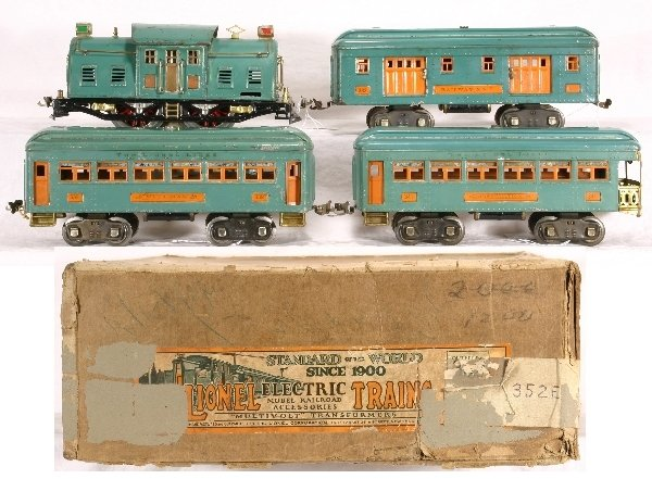 13: Boxed LIONEL Train Set 352E: