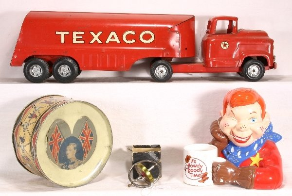 14: NETTE-4 pc. TOY Lot:
