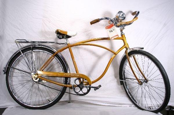 184: NETTE - Super SCHWINN Typhoon Bicycle: