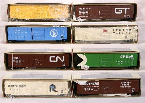 8: NETTE - 8 WEAVER 50' Boxcars: