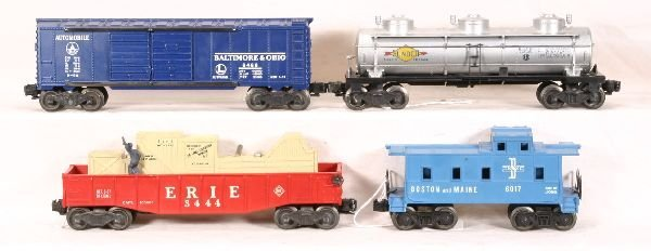 24: NETTE - 4 LIONEL Freight Cars: