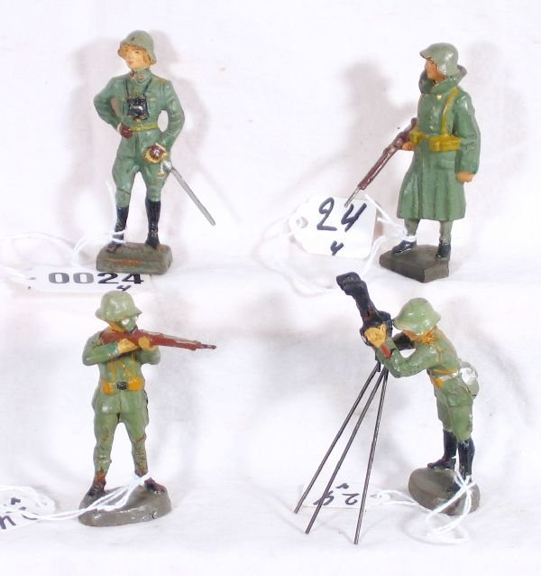 24: NETTE - 4 Nice German Compo Soldiers: