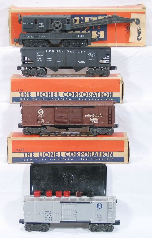 334: NETTE - 4 Early LIONEL Freight Cars: