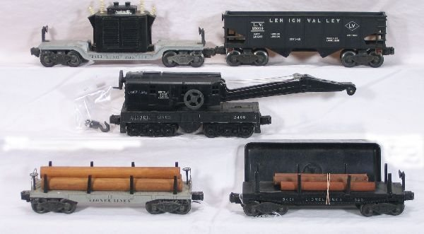 341: NETTE - 5 Early LIONEL Freight Cars: