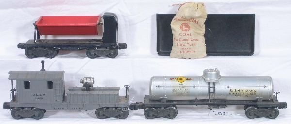 328: NETTE - 3 Early LIONEL Freight Cars: