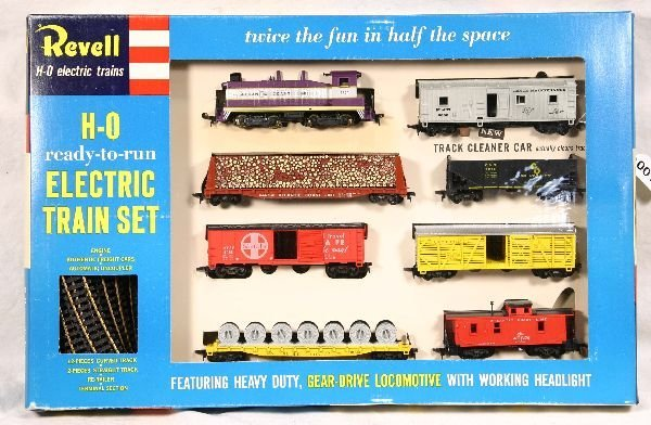 12: NETTE - Early REVELL HO ACL Diesel Freight Set: