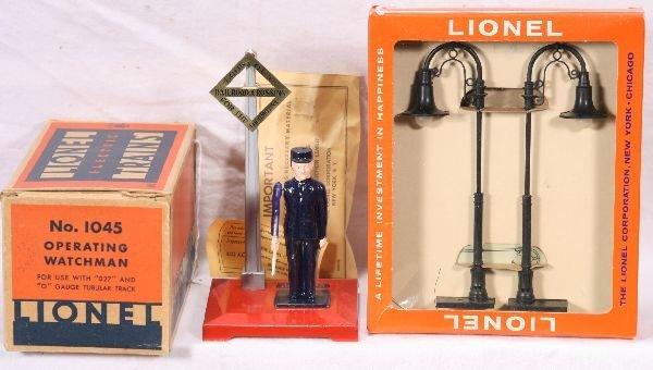 347: NETTE - Mint Boxed LIONEL 1045 & 75 Accessories: