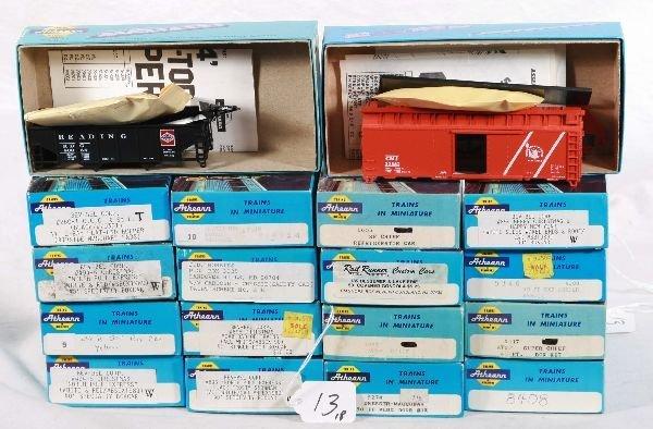 13: NETTE - 18 ATHEARN HO Freight Car Kits: