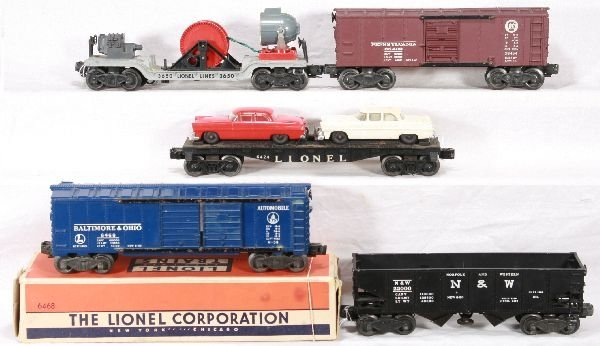 347: NETTE - 5 LIONEL Freight Cars: