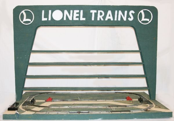 350: NETTE - Repro LIONEL D-133 Display Layout: