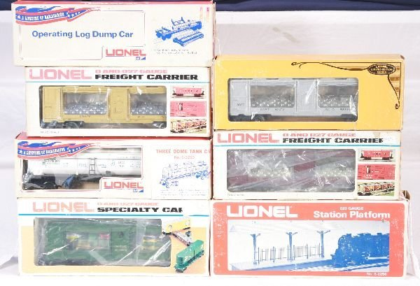 21: NETTE - 8 LIONEL/MPC Freight Cars: