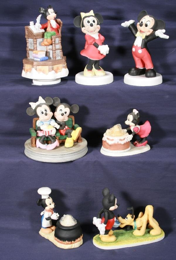 189: NETTE - 7 Pc. DISNEY Mickey Mouse Bisque Figurines