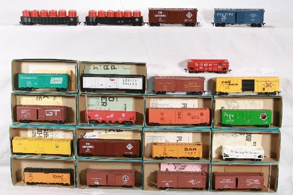 231: NETTE - 21 ATHEARN HO Freight Cars: