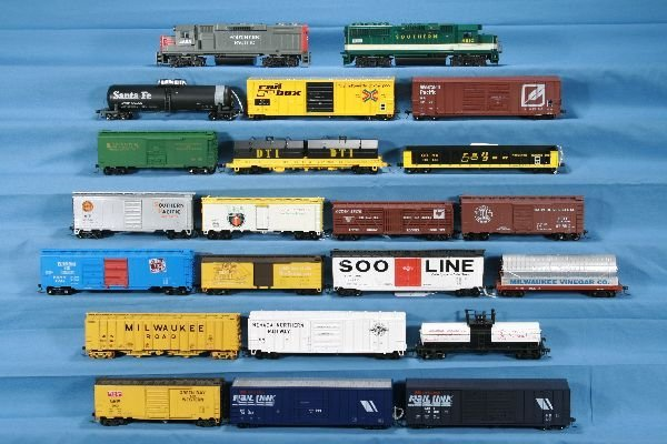 6: 22 Pc. HO Ga. Diesel Freight Lot: