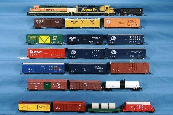 12: 22 Pc. HO Ga. Diesel Freight Lot: