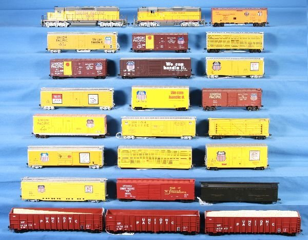 5: NETTE - 24 Pc. HO Ga. UP Diesel Freight Lot: