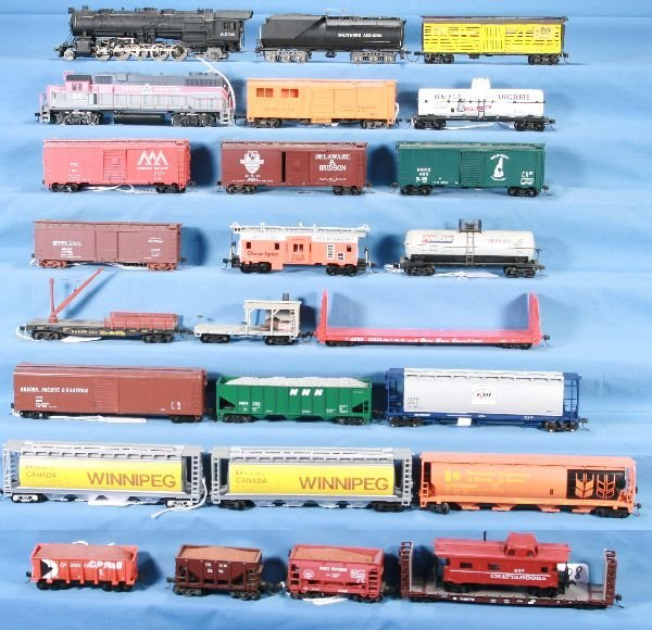 8: NETTE - 26 Pc. HO Ga. Steam & Diesel Freight Lot: