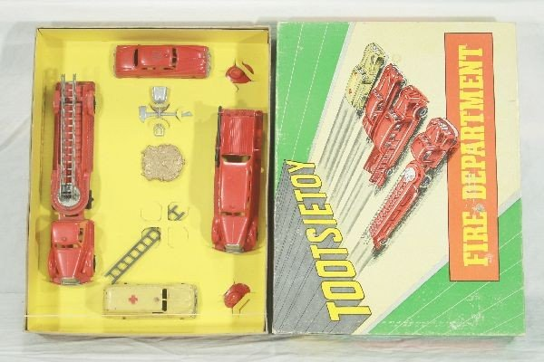 4: NETTE - Boxed TOOTSIETOY 5211 Fire Department Set: