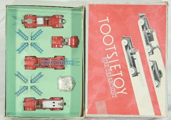 7: NETTE - Boxed TOOTSIETOY Set 411 Fire Department: