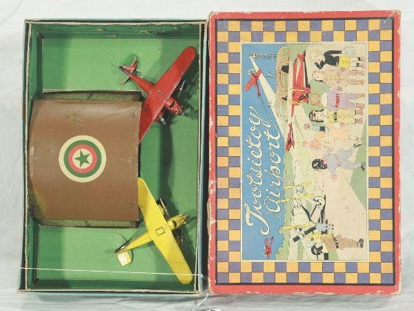 17: NETTE - Boxed TOOTSIETOY Airport Set: