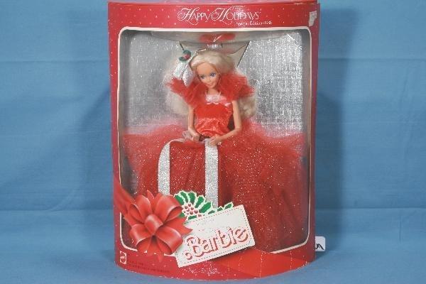 13: 1988 MATTEL Christmas Barbie Doll