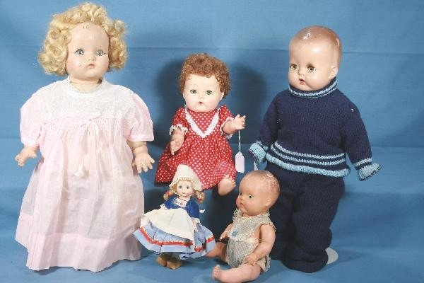 15: 5Pc. Vintage Doll Group