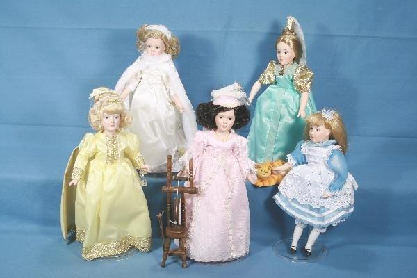 20: 5 Boxed DANBURY MINT Story Book Dolls