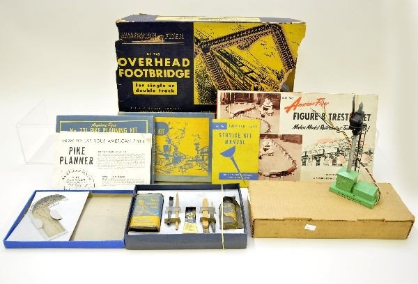 110: Boxed American Flyer S-Gauge Accessories