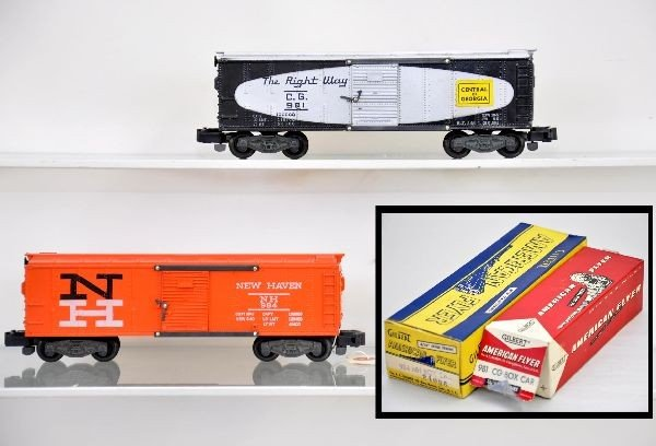 117: Boxed American Flyer S-Gauge 984 and 981 Boxcars